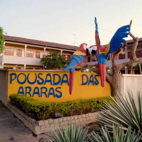 Fachada da Pousada das Araras de Araçuaí